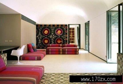 复式楼装修效果图的会客厅内,装饰颜色偏草绿色和淡黄色的较